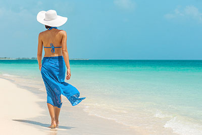 写真:水着の女性